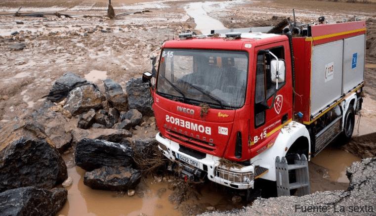 Bombero muere cuando realizaba labores de socorro en Málaga